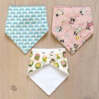 Handmade bibs, a perfect project if you are beginning to sew!